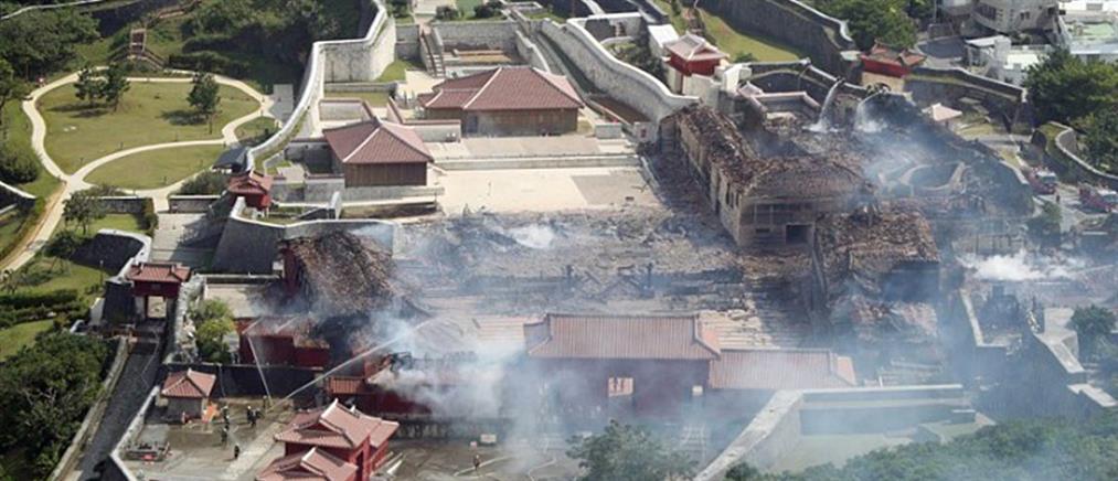 Μνημείο παγκόσμιας κληρονομιάς τυλίχτηκε στις φλόγες (εικόνες)
