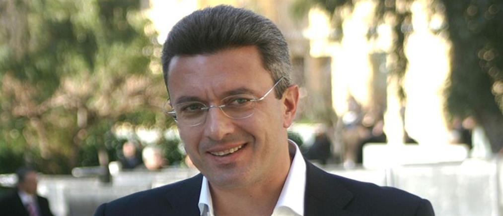 Ο Νίκος Χατζηνικολάου στην παρουσίαση του κεντρικού Δελτίου Ειδήσεων του ΑΝΤ1