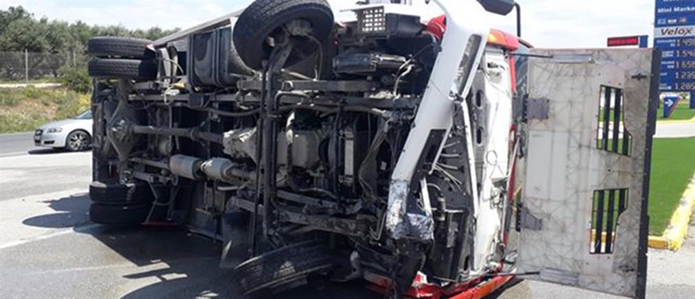 Βίντεο σοκ: καραμπόλα τριών αυτοκινήτων στην Κρήτη