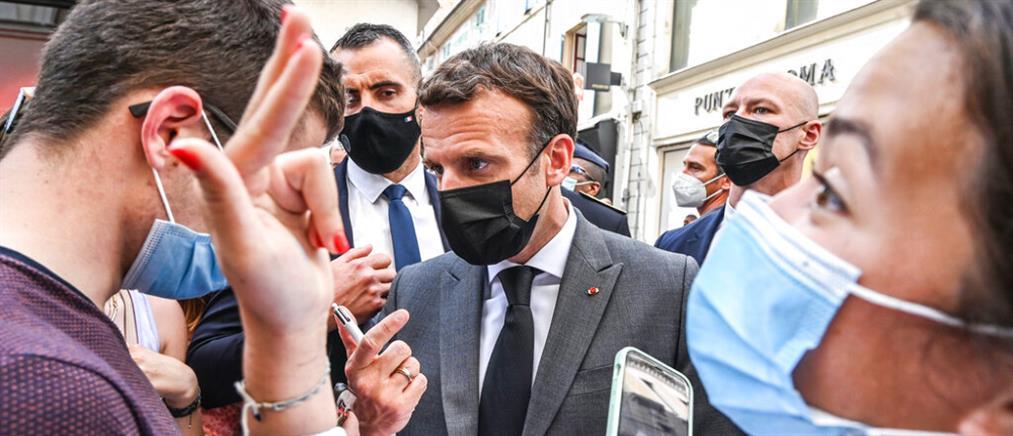 Χαστούκι στον Μακρόν: Η απάντηση του Γάλλου Προέδρου (βίντεο)