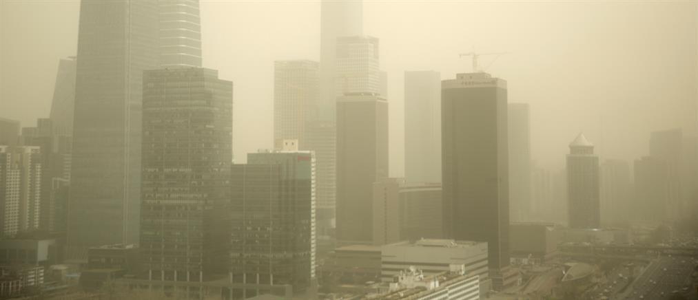 """Αμμοθύελλες """"έπνιξαν"""" την Κίνα (βίντεο)"""