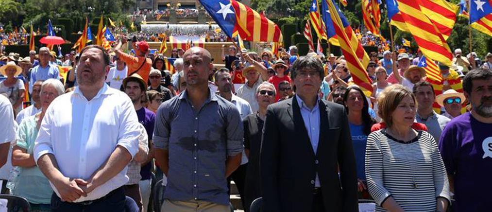 """""""Μανιφέστο"""" Γκουαρντιόλα για την ανεξαρτησία της Καταλονίας"""