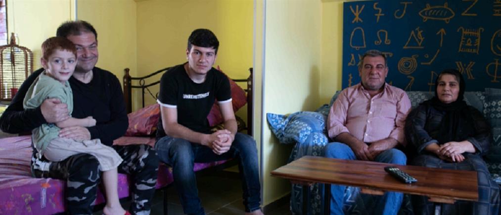 Οικογένεια προσφύγων περιθάλπει τον Έλληνα σπιτονοικοκύρη της που έμεινε κατάκοιτος