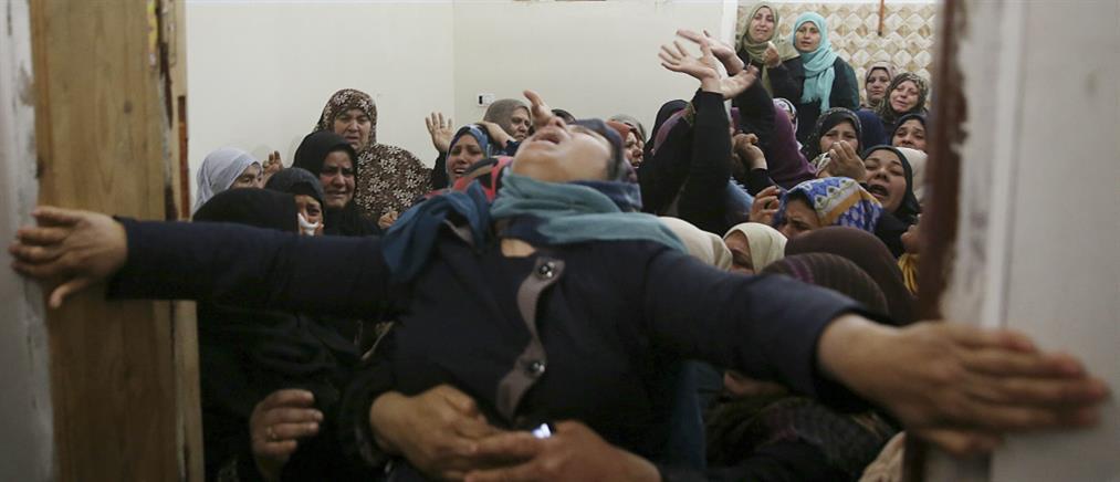 Θρήνος στις κηδείες των Παλαιστίνιων διαδηλωτών στην Γάζα (βίντεο)