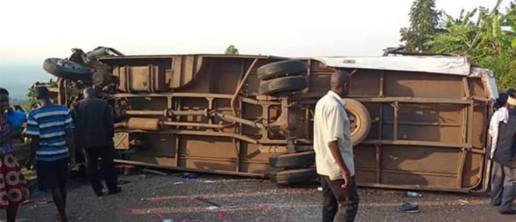 Τραγωδία: Πολύνεκρο δυστύχημα με θύματα μέλη ΜΚΟ (βίντεο)