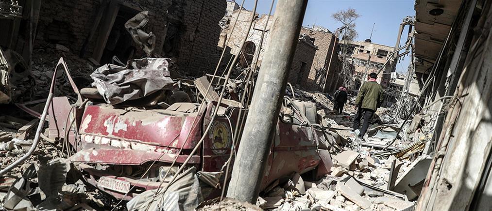 """Νεκρά 15 παιδιά από βομβαρδισμό σε σχολείο, ενώ ο Άσαντ """"κόβει"""" βόλτες στην Γούτα (βίντεο)"""