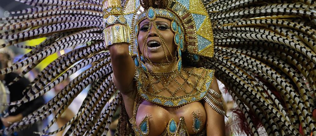 Αυλαία για το Καρναβάλι του Ρίο (βίντεο)