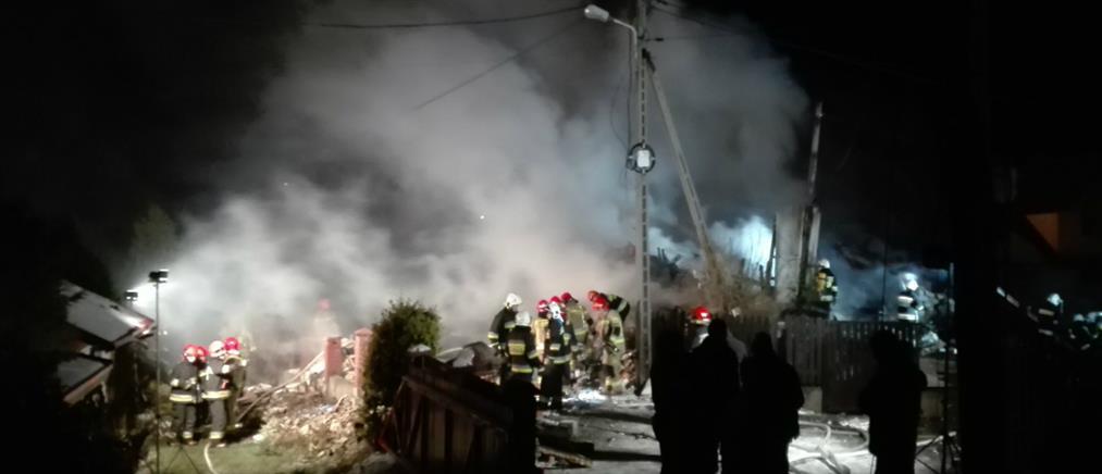 Πολωνία: Κατέρρευσε τριώροφο κτίριο σε χιονοδρομικό κέντρο (εικόνες)