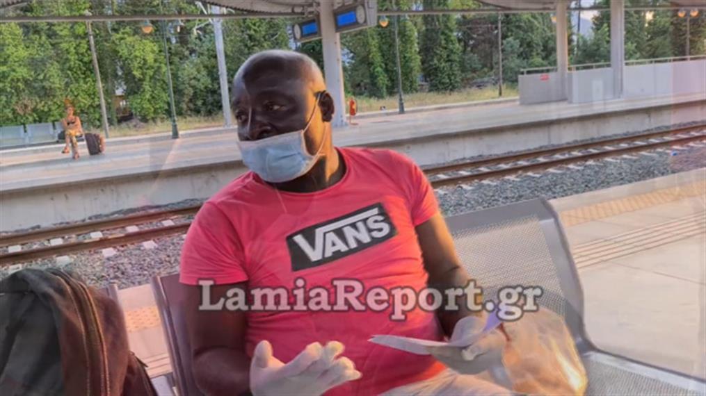 Πέταξαν άνδρα έξω από το τρένο γιατί νόμιζαν ότι είχε κορονοϊό!