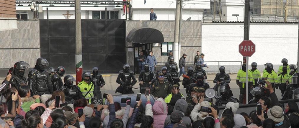 Πολύνεκρη εξέγερση σε φυλακές