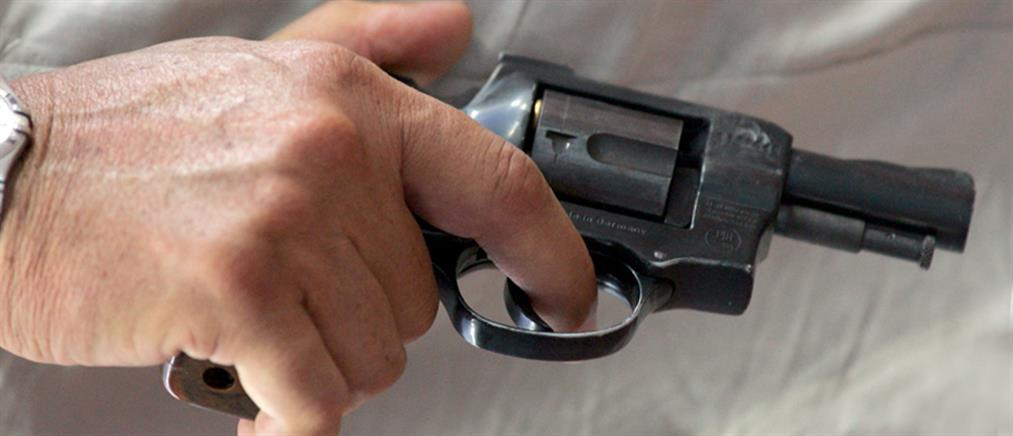 Ληστεία με όπλο σε ΕΛΤΑ