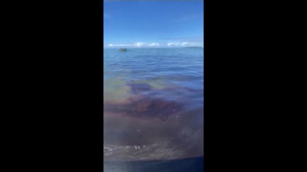 Διαρροή πετρελαίου από πλοίο στον Μαυρίκιο
