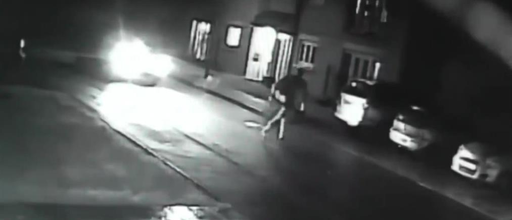 Πάτησε με το αυτοκίνητο τον πρώην της φίλης του (βίντεο)