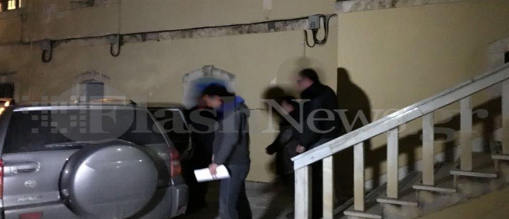 Στη φυλακή ο καθηγητής που κατηγορείται για ασέλγεια σε μαθήτριές του