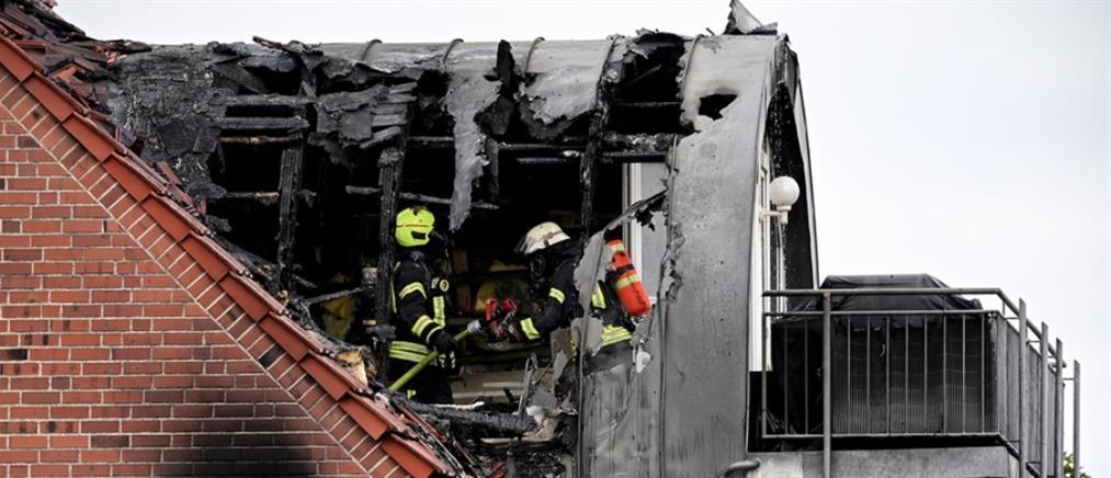 Συντριβή αεροσκάφους πάνω σε σπίτι - Τρεις νεκροί (βίντεο)