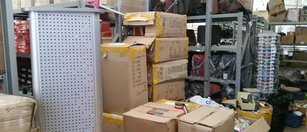 """Νέο """"χτύπημα"""" του ΣΔΟΕ στο παρεμπόριο: Κατασχέθηκαν πάνω από 74000 προϊόντα """"μαϊμού"""""""