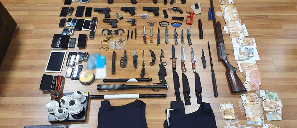Κύκλωμα εκβιαστών: Ξυλοδαρμοί, βόμβες, ναρκωτικά και… κυνομαχίες (εικόνες)
