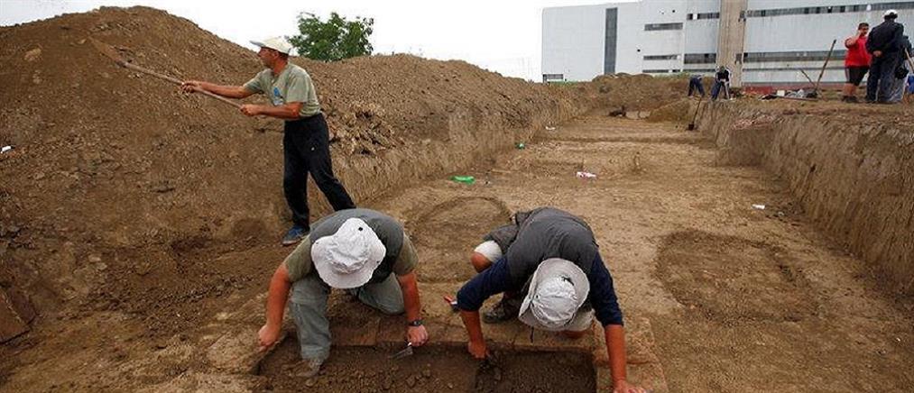 Σερβία: Ξόρκια γραμμένα με ελληνικά γράμματα σε αρχαίους τάφους στην Σερβία