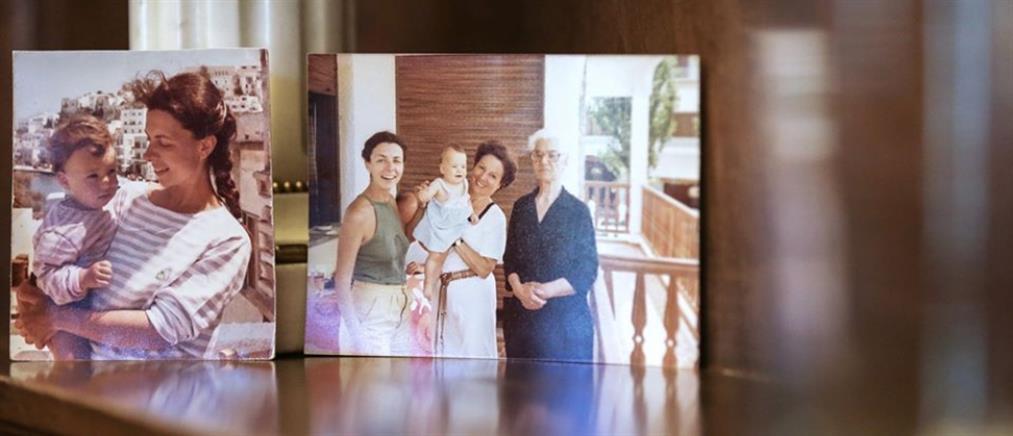 Γιορτή της Μητέρας: η συγκινητική ανάρτηση της Κατερίνας Σακελλαροπούλου