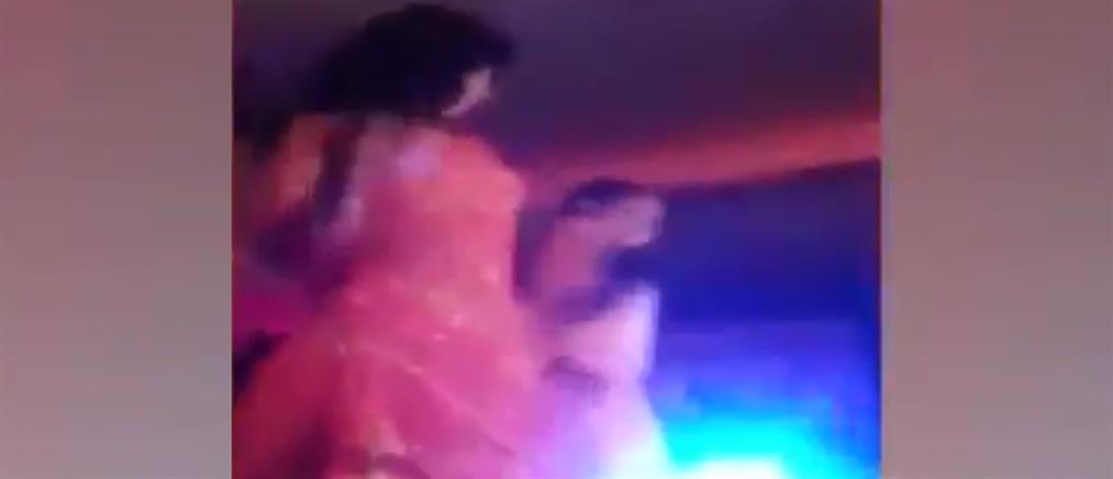 """Χορεύτρια πυροβολήθηκε στο πρόσωπο από """"μπαλωθιά"""" σε γάμο (βίντεο)"""