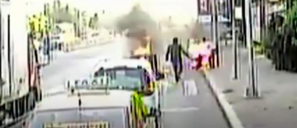 """""""Ήρωας"""" οδηγός λεωφορείου έσωσε άνδρα που καιγόταν (βίντεο)"""