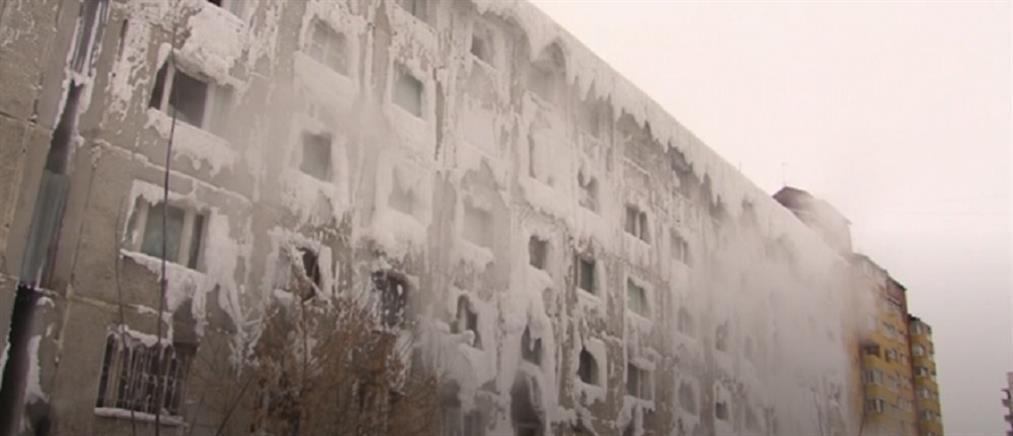 Φανταστικές εικόνες από κτήριο που πάγωσε