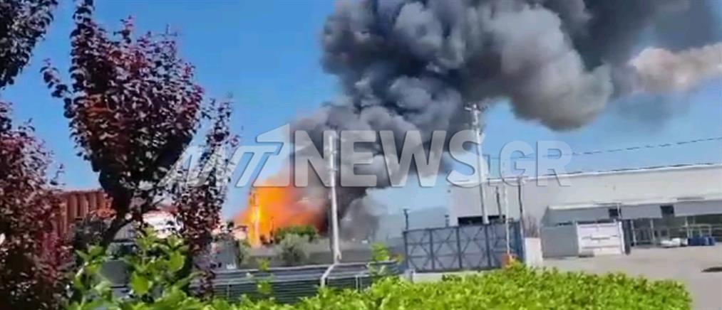 """Ασπρόπυργος: Οι εκρήξεις στο βυτιοφόρο από απόσταση """"αναπνοής"""" (βίντεο)"""