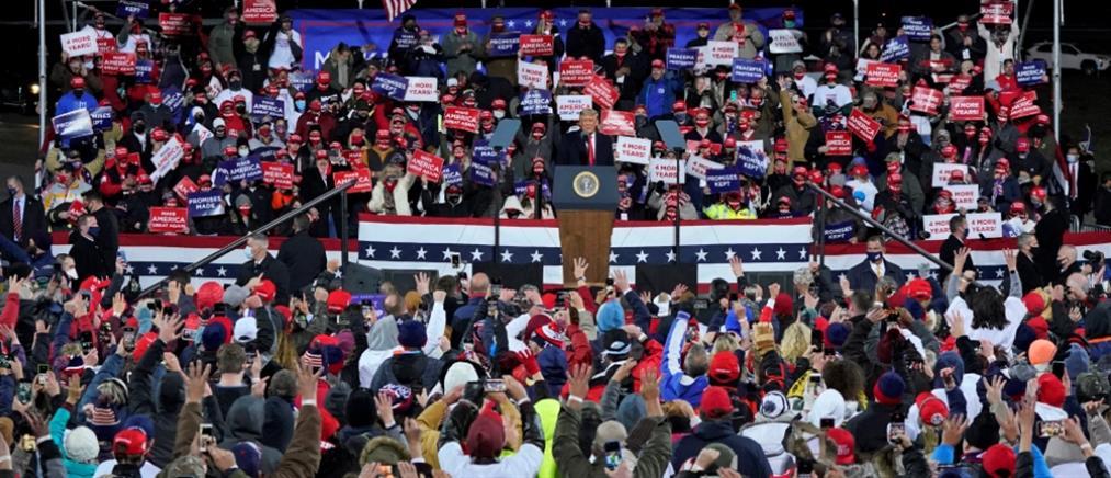 """ΗΠΑ-Εκλογές: """"Τροχάδην"""" ο Τραμπ - Στο πλευρό του Μπάιντεν ο Ομπάμα"""