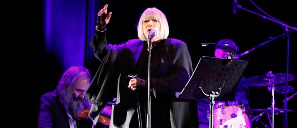 Η Μαριάν Φέιθφουλ τραγούδησε στη σκηνή του Μπατακλάν (Βίντεο)