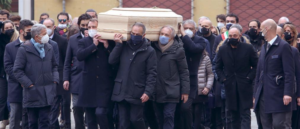 Πάολο Ρόσι: Ανατριχίλα στην κηδεία του (βίντεο)