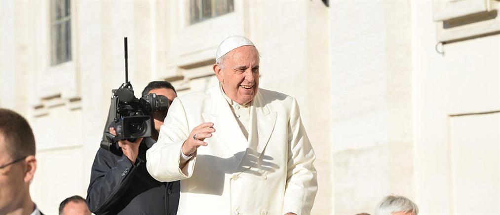 Πωλήθηκε το iPad του Πάπα Φραγκίσκου για καλό σκοπό