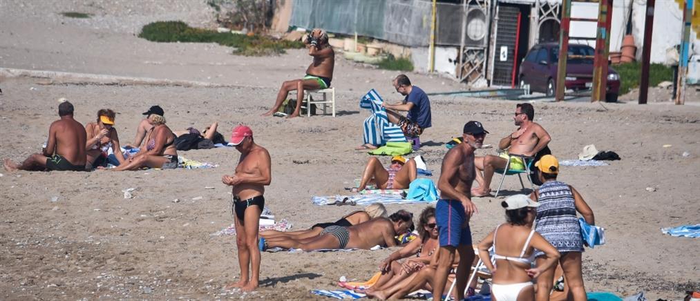 """""""Πλημμύρισαν"""" οι παραλίες της Αττικής (βίντεο)"""