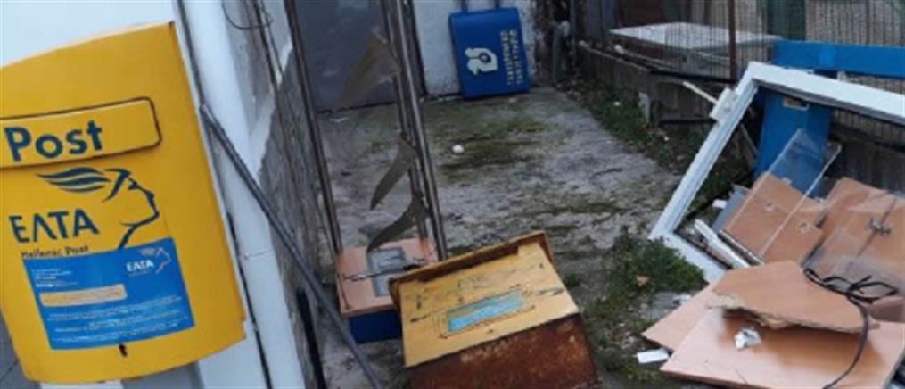 """""""Μπούκαραν"""" με αγροτικό όχημα σε ΕΛΤΑ και φόρτωσαν το ATM"""