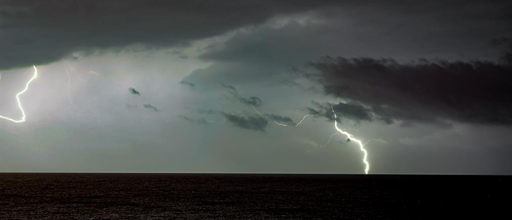 """Καιρός: η """"Κίρκη"""" αποχωρεί με βροχές και καταιγίδες"""