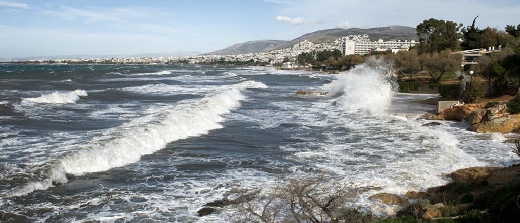 Καιρός: ζέστη και ισχυροί άνεμοι την Παρασκευή
