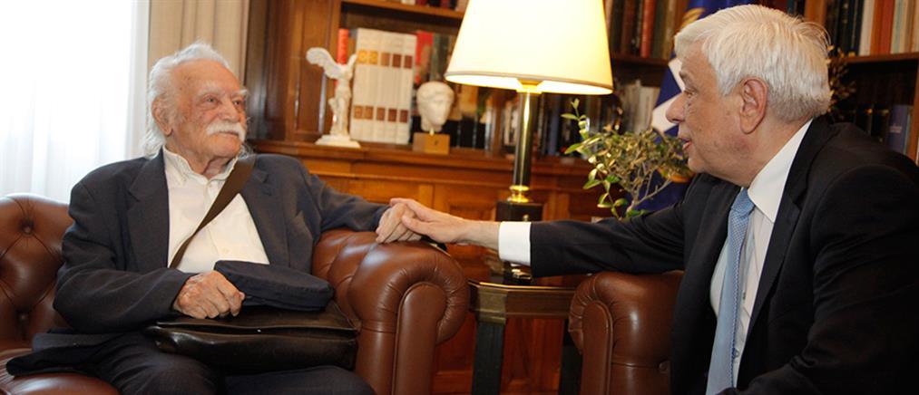 Στον Πρόεδρο της Δημοκρατίας ο Μανώλης Γλέζος (φωτο)