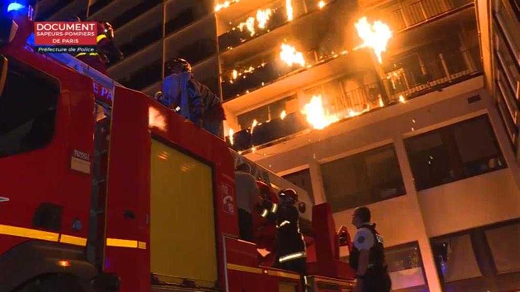 Πυρκαγιά σε κτίριο μέσα σε νοσοκομειακό συγκρότημα