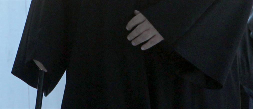 Χειροπέδες σε… ιερέα που παρενόχλησε 19χρονη