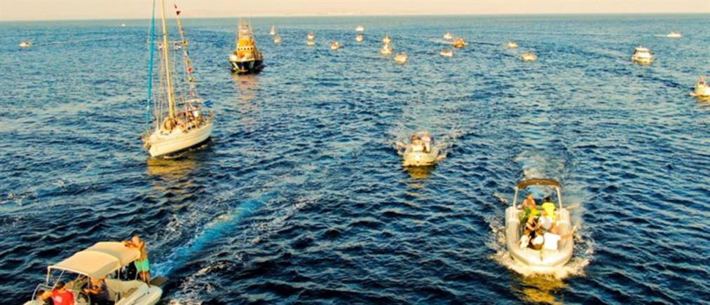 Συγκίνηση και δέος στην περιφορά της εικόνας του Αγίου Αιμιλιανού με βάρκες (βίντεο)