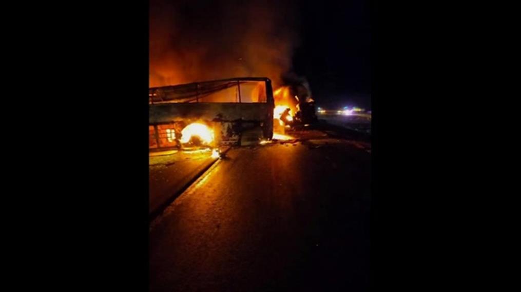 Δεκάδες νεκροί σε τροχαίο με λεωφορείο στην Αίγυπτο