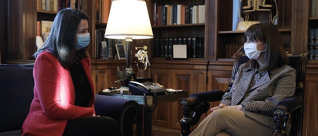 Συνάντηση Σακελλαροπούλου - Κεραμέως για σχολεία και ανώτατη εκπαίδευση