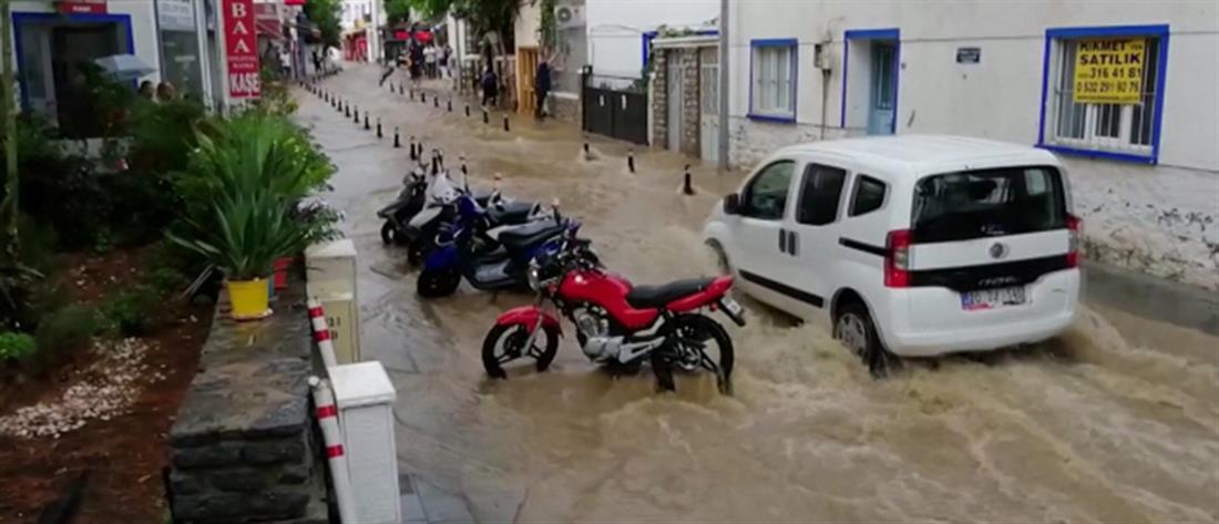 Ποτάμια οι δρόμοι στην Αλικαρνασσό (βίντεο)