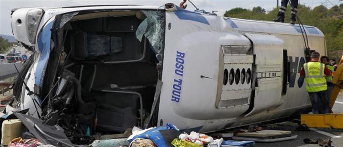 Ρουμανία: πολύνεκρη σύγκρουση λεωφορείου με νταλίκα