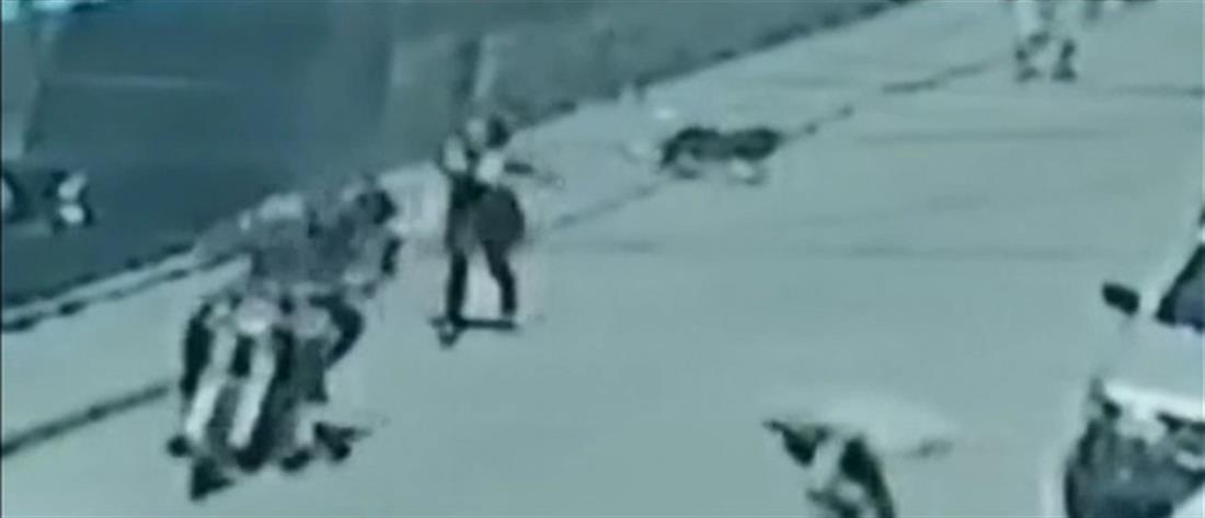 Απαγωγή βρέφους από την αγκαλιά της μάνας του (βίντεο)