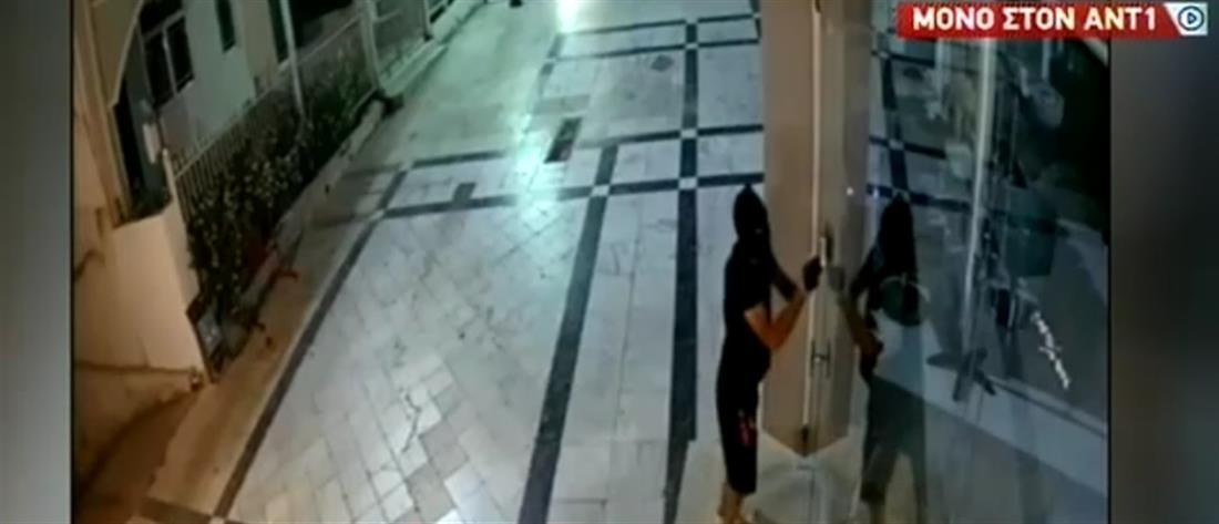 Κορωπί: Διαρρήκτης έχει ρημάξει δεκάδες καταστήματα (βίντεο)