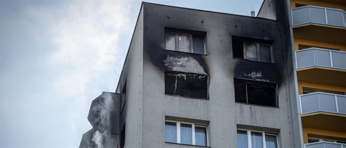 Παιδιά νεκρά από φωτιά σε πολυκατοικία