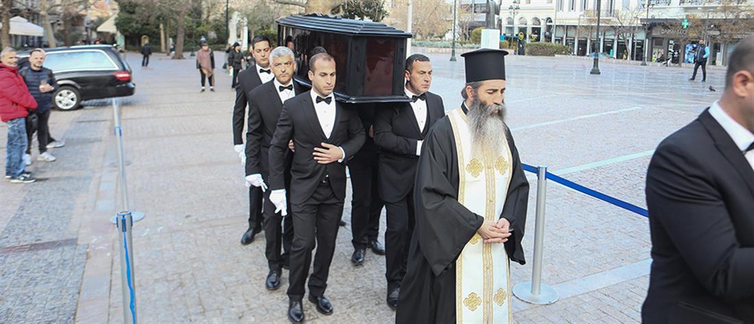 Βουτσάς - λαϊκό προσκύνημα - κηδεία