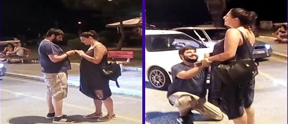 Κινηματογραφική πρόταση γάμου στην πλατεία Αριστοτέλους