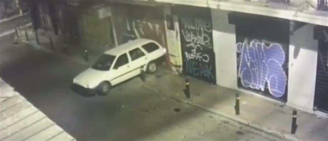 Αποκλειστικό βίντεο του ΑΝΤ1 από διάρρηξη καταστήματος στο κέντρο της Αθήνας (βίντεο)