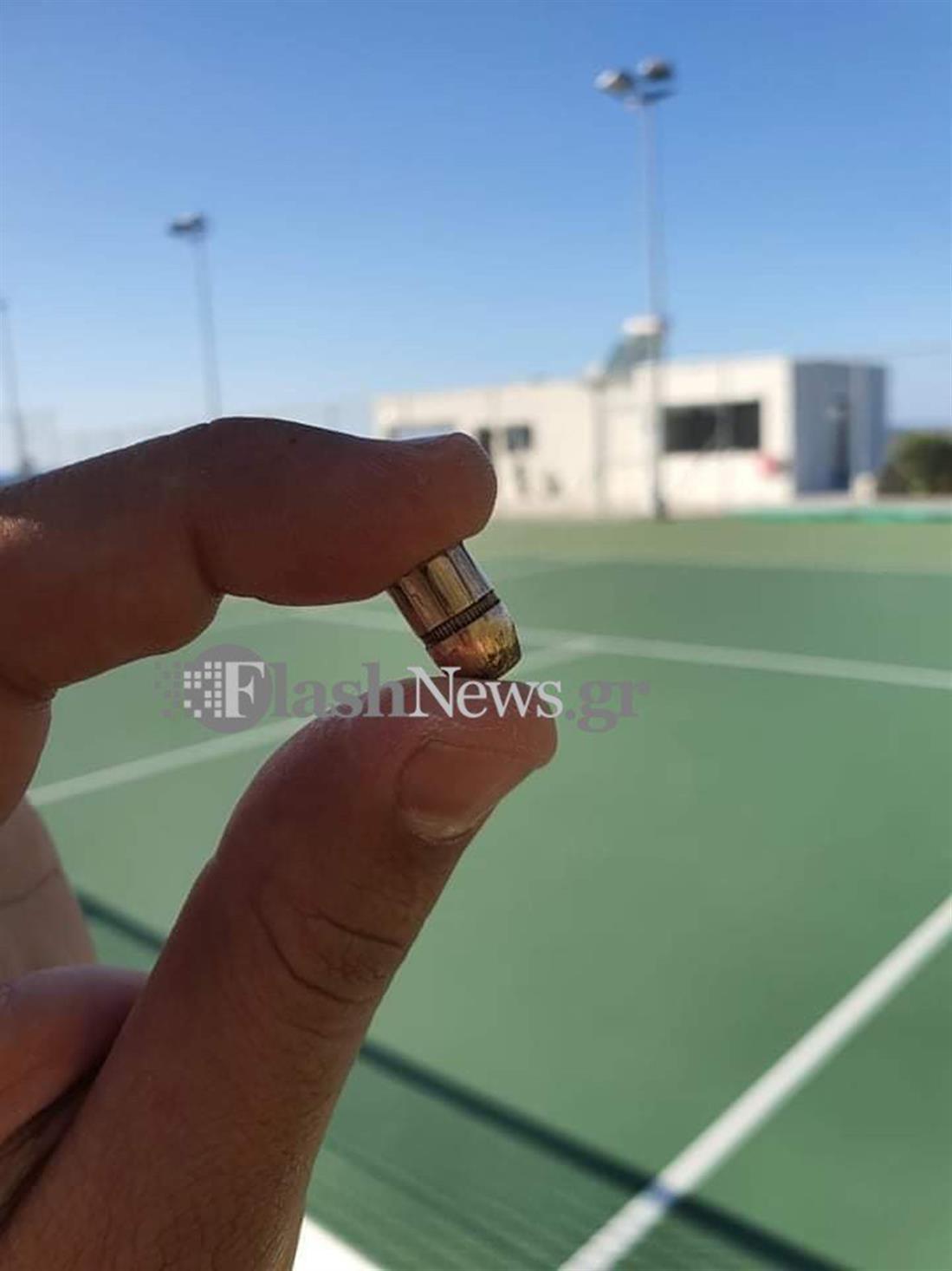 Χανιά - σφαίρα - γήπεδο τένις